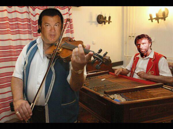 Steven Seagal şi Chuck Norris ca lăutari ţigani