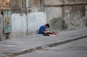 Andrei Antip povestea lui Tiberiu copilul tigan teme scoala trotuar